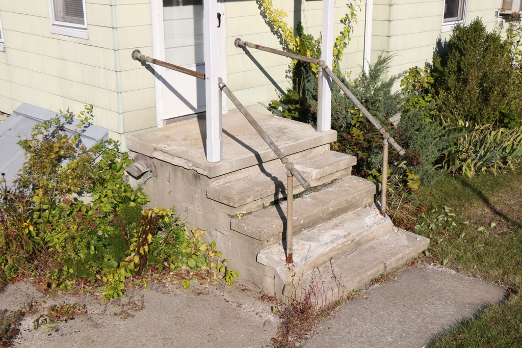 Before picture of a concrete step job